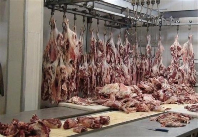 واکنش مدیر فروشگاه رفاه همدان به کشف گوشتهای فاسد؛ موضوع را خودمان به دامپزشکی اطلاع دادیم