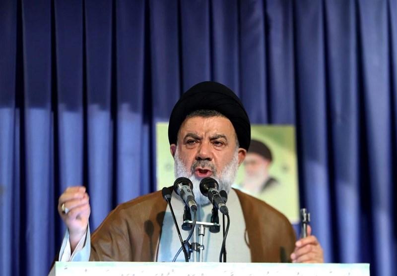 امام جمعه خرم آباد: خطر اهل تسنن آمریکایی و شیعه انگلیسی مسلمانان را تهدید میکند