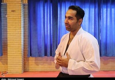 روحانی: ۱۸ ساعت در فرودگاه مسکو قرنطینه بودم/ با رایزنی رئیس فدراسیون کاراته روسیه در استونی هستم