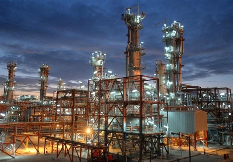 فعالان صنعت نفت در عسلویه 100 میلیارد ریال به پویش مبارزه با کرونا در بوشهر پرداخت کردند