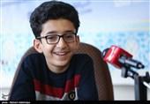 حضور پارسا خائف ستاره عصر جدید در دفتر تسنیم اردبیل در قاب تصویر