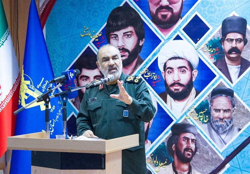 فرمانده کل سپاه در بوشهر: ایران قتلگاه تحریم اقتصادی دشمن شده است/ همه آرزوی رئیس جمهور آمریکا چند دقیقه مذاکره با یک مقام ایرانی است