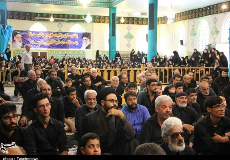 خادمان افتخاری حرم امام حسین(ع) در بیت آیتالله سیستانی تجمع کردند
