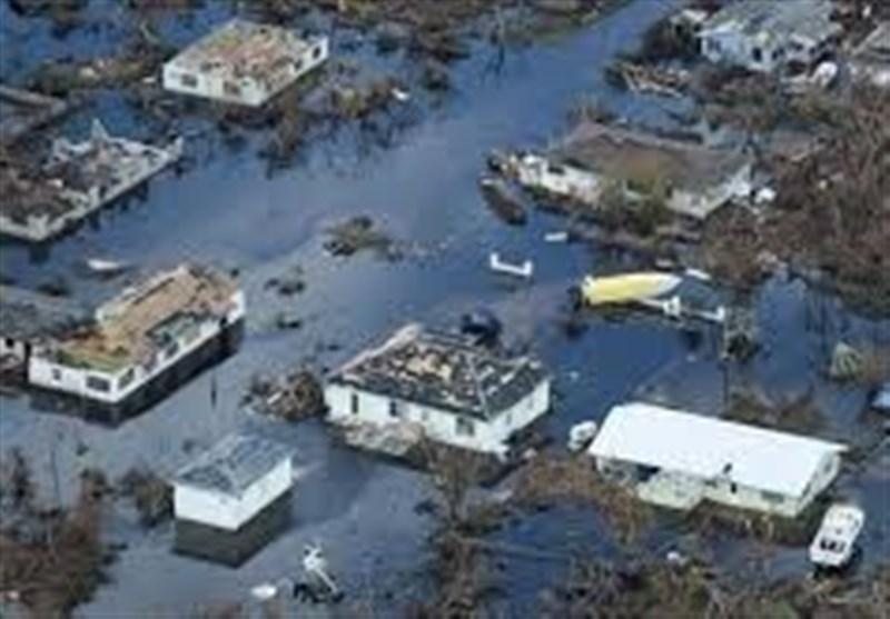 هزاران نفر در باهاماس از خرابیهای طوفان فرار میکنند