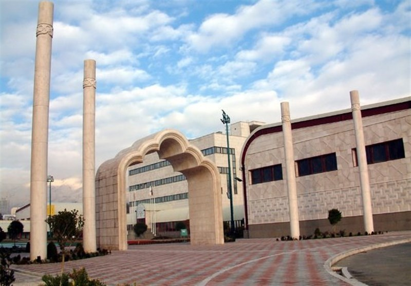 برگزاری مراسم روز درختکاری در آکادمی ملی المپیک/ دو نهال به یاد شهدای سلامت کاشته شد