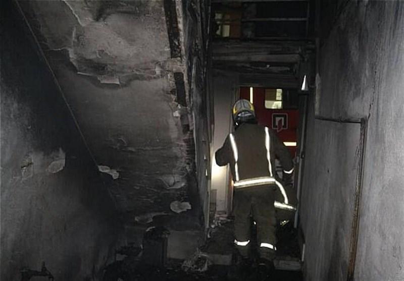 تهران| پرتاب دختر بچه سهساله از پنجره طبقه دوم برای نجات از آتش! + تصاویر