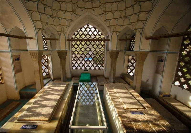 ستارگان مدفون در تخت فولاد| حاج میرزا زین العابدین خوانساری دانشمندی زاهد، عابد و صاحب کرامات