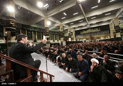 مداحی مهدی سلحشور در دومین شب عزاداری محرم در حسینیه امام خمینی(ره)