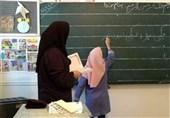 فوت خانم معلم در کلاس درس