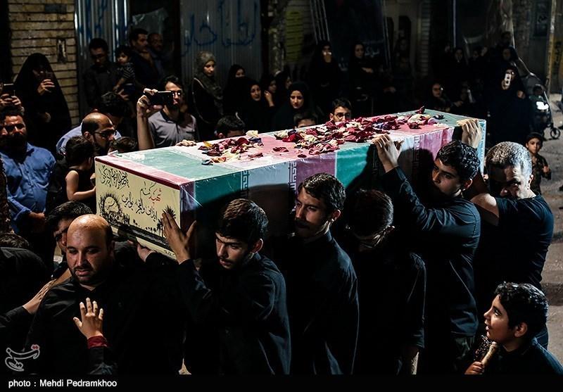 مردم اهواز با شهید گمنام دفاع مقدس وداع کردند