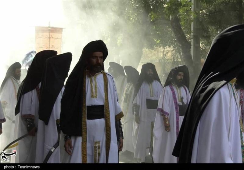 کاروان نمادین کربلا در خیابانهای اصفهان به حرکت درآمد + تصاویر