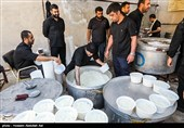 پذیرایی مردم آذربایجان شرقی از عاشقان اباعبدالله(ع)؛ انواع غذاهای گرم طبخ شد