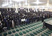 نماز ظهر عاشورا با حضور عزاداران حسینی در بوشهر اقامه شد