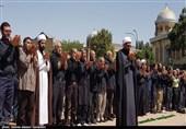 جلوههای شور حسینی در همدان؛ نماز ظهر عاشورا در همدان اقامه شد+ تصاویر