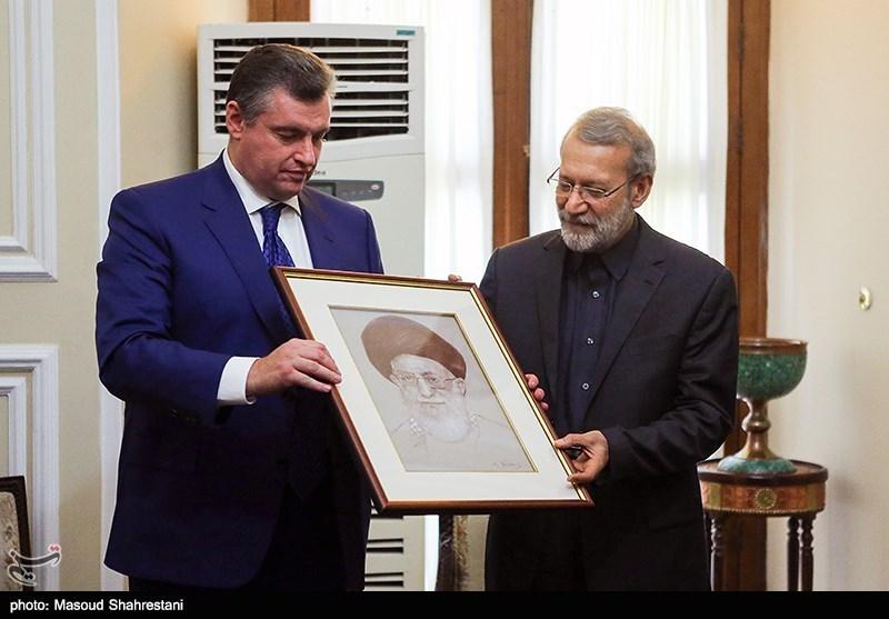 دیدار رییس کمیته امور بین الملل دومای روسیه با علی لاریجانی
