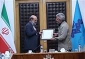 """پدر """"شهید حججی"""" : صداوسیما در قبال """"کار حسینی"""" شهدا """"کار زینبی"""" کند"""