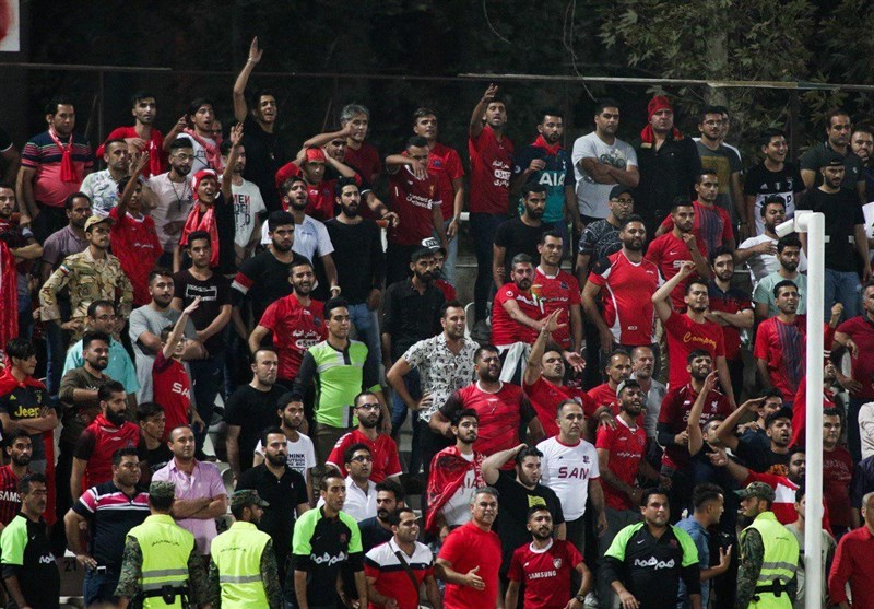 حاشیه دیدار نساجی-تراکتور| حضور مدیرعامل نساجی در ورزشگاه شهید وطنی/اعتراض شدید شجاعی به داور