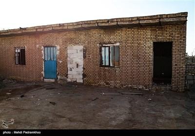 """قدرت آباد سابله در مسیر """"طریق الحسین"""" است و با وجود سختی ها، اهالی مهمان نوازش هر سال میزبان هزاران نفر زائران اباعبدالله (ع) هستند"""