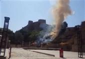 آتش سوزی در اطراف «قلعه فلک الافلاک»؛ خسارتی به یادگار دوره ساسانیان وارد نشد