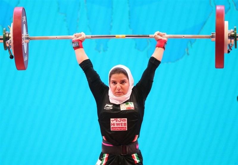 وزنهبرداری قهرمانی جهان| حضور نخستین وزنه بردار زن ایرانی در مسابقات جهانی/ ششمی پوپک بسامی در گروه D