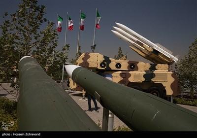 سامانه موشکی سوم خرداد سپاه به همراه موشک طائر