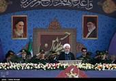 روحانی در رژه 31 شهریور: حاضریم از خطاهای گذشته همسایگان بگذریم/ نسبتدادن حوادث منطقه به ایران دروغ است
