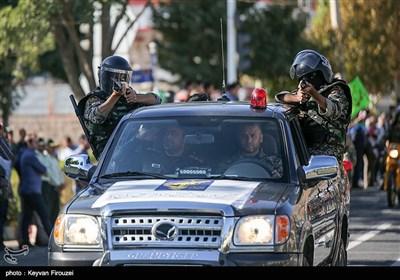مراسم رژه نیروهای مسلح استان در نخستین روز هفته دفاع مقدس در سنندج