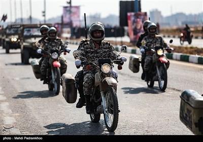 مراسم رژه نیروهای مسلح استان در نخستین روز هفته دفاع مقدس در اهواز