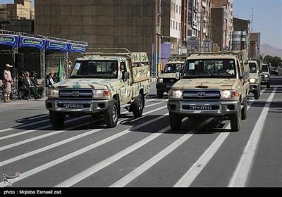 مراسم رژه نیروهای مسلح استان در نخستین روز هفته دفاع مقدس در ارومیه