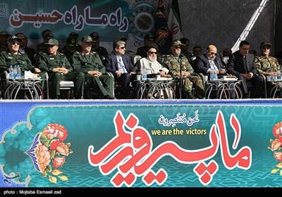 عنوان مراسم رژه نیروهای مسلح استان در نخستین روز هفته دفاع مقدس در ارومیه