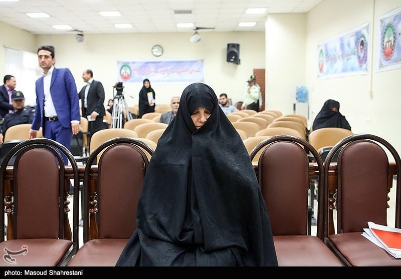 برکناری یک مدیرکل پس از حضور یکی از نزدیکان شبنم نعمتزاده در وزارت بهداشت