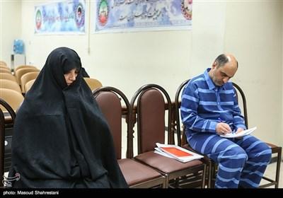 شبنم نعمتزاده، دختر وزیر اسبق صنعت، معدن و تجارت و احمدرضا لشگریپور در دومین جلسه رسیدگی به اتهامات