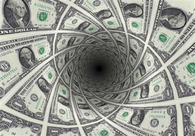 نگهبانی که ۱۰۷ میلیون تومان ارز و چک بانکی را به صاحبش برگرداند + عکس