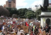 Thousands in New Zealand Start 2nd Wave of Climate Protests