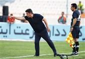 قلعهنویی: مقامات بالاتر از فدراسیون و وزارت ورزش درباره فوتبال تصمیم گرفتند/ هنوز ترس در وجود بازیکنان است
