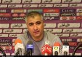 تبریز| الهامی: فولاد در بازیهای خارج از خانه، قدرتمند و گردنکلفت است/ از دقیقه اول برای پیروزی به میدان میرویم