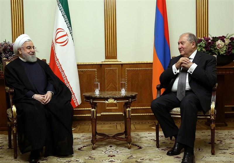 روحانی در دیدار رئیسجمهور ارمنستان: توسعه روابط با کشورهای همسایه از اصول سیاست خارجی ایران است