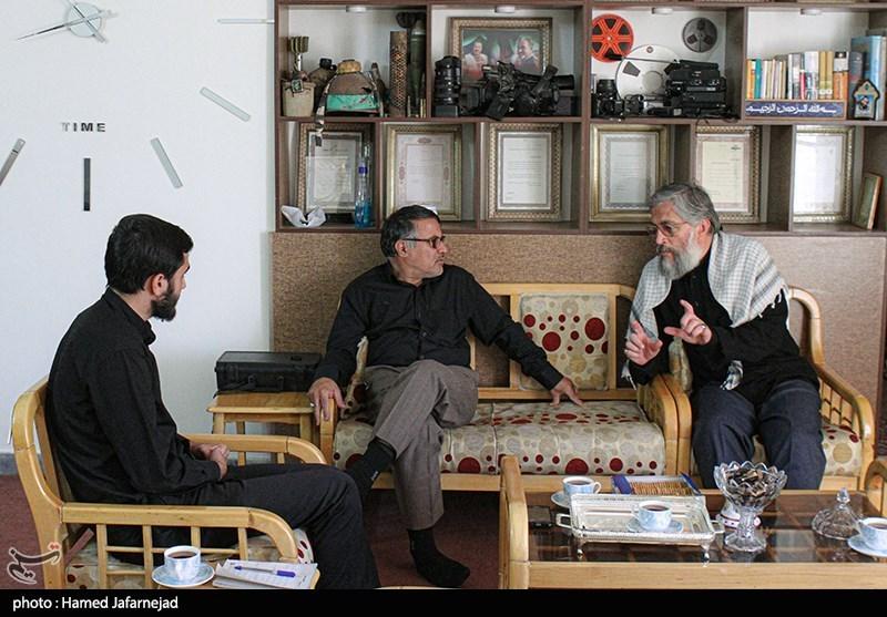 """گفت و گو با امیرخورشیدی فر تهیه کننده و کارگردان برنامه مستند تلویزیونی"""" از آسمان"""" و حمید بناء نویسنده"""