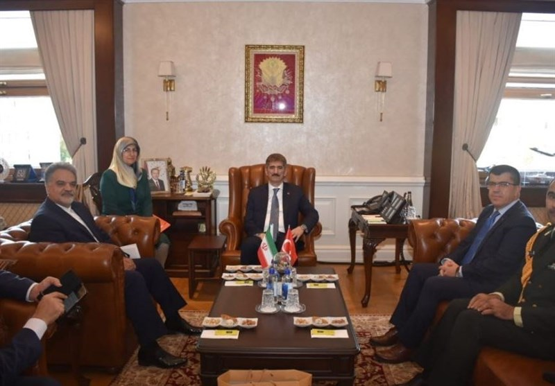Iran, Turkey Discuss Closer Security Cooperation