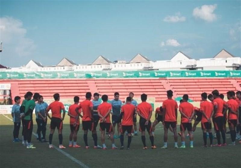 آخرین تمرین کامبوجیها پیش از سفر به تهران با خط خوردن 3 بازیکن + عکس