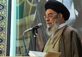 امام جمعه اصفهان: شروع غنیسازی سبب اعلام آمادگی غربیها برای مذاکره با ایران شد
