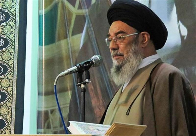 امام جمعه اصفهان: همراهان دشمنان نظام جمهوری اسلامی سرنوشتی بهتر از «روح الله زم» ندارند