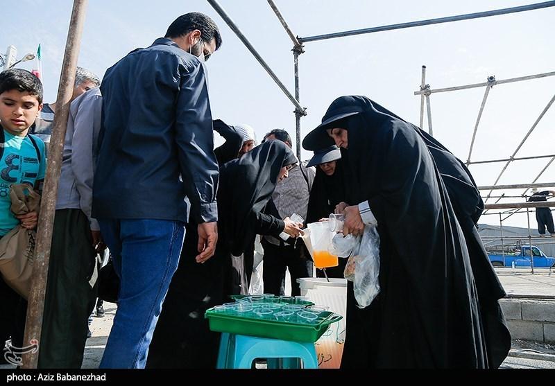 برپایی موکبهای خدمت رسانی به زائران در پایانه مرزی مهران
