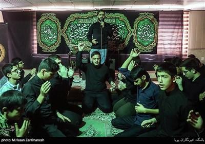 عزاداری شهادت امام حسن (ع) با مداحی محسن انصاری در مدرسه ثامن الائمه