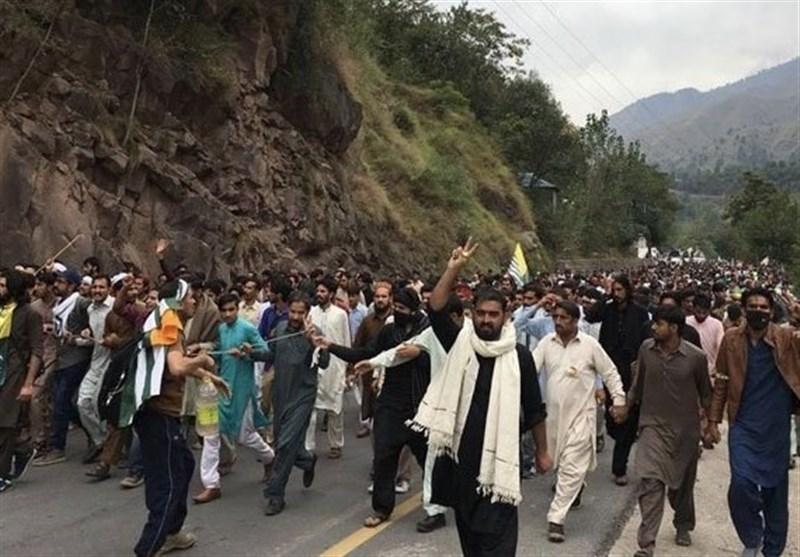 ممانعت پاکستان از نزدیک شدن معترضین خشمگین به مرزهای هند