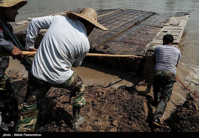 عملیات نصب و راهاندازی پل ارتباطی دهستان عنافچه به ملاثانی توسط ارتش + تصویر