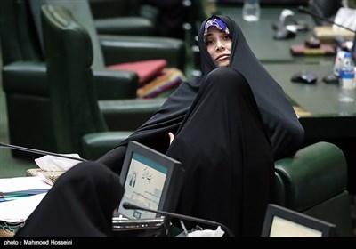 فاطمه حسینی در صحن علنی مجلس شورای اسلامی