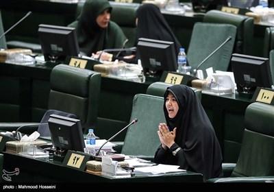 زهرا سعیدی نماینده مردم مبارکه اصفهان در مجلس شورای اسلامی