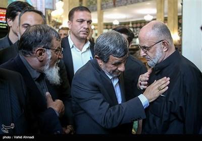 محمود احمدی نژاد در مراسم ختم پدر سردار سعید قاسمی