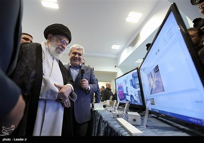 بازدید رهبر معظم انقلاب از نمایشگاه شرکتهای دانشبنیان وفناوریهای برتر